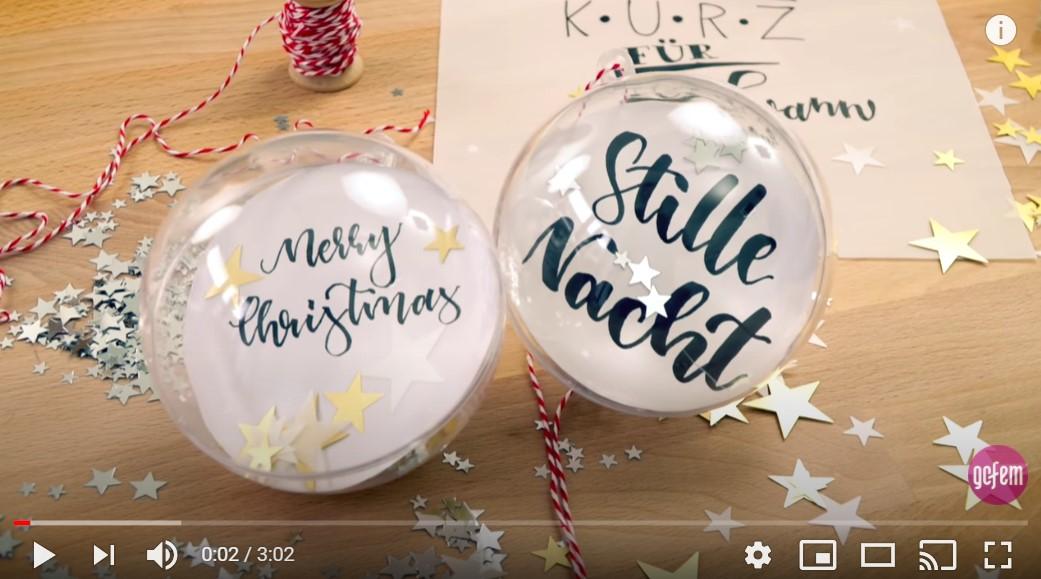 Hübsche DIY-Christbaumkugeln mit Handlettering erstellen - Video-Tutorial